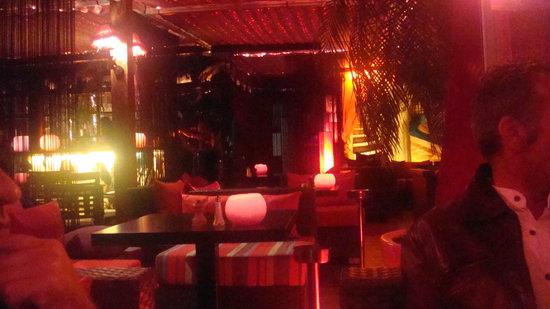 NOSSY BE: Le restaurant le soir