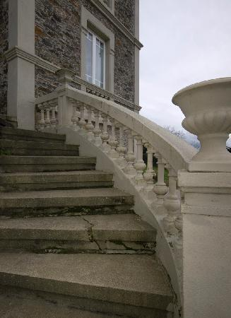 Hotel Villa Auristela: detalle de la escalera