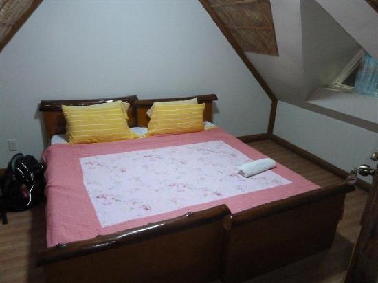 Dalupuri - San Antonio Island, Philippines: upstairs bedroom