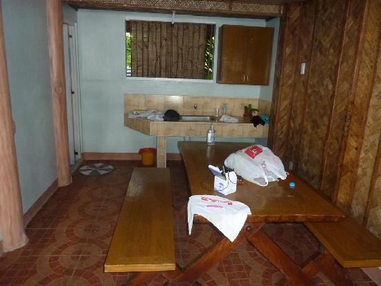 Dalupuri - San Antonio Island, Philippines: downstairs area