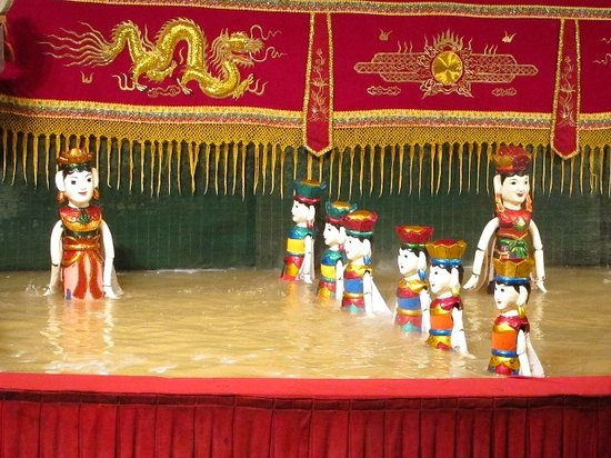 Golden Dragon Water Puppet Theater: 仙女の舞