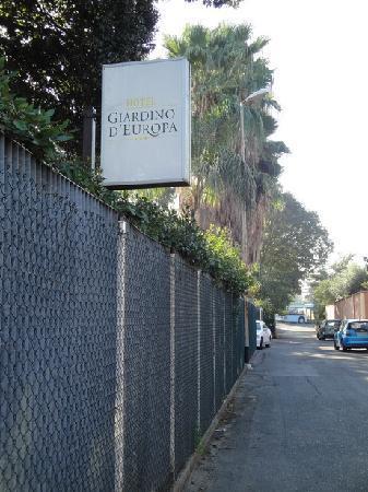 Hotel Giardino d'Europa : Hotel sign