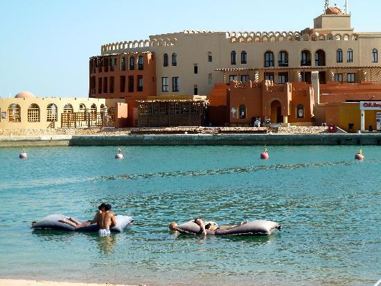 Three Corners Ocean View Hotel - Adults only: het hotel gezien vanaf Moods