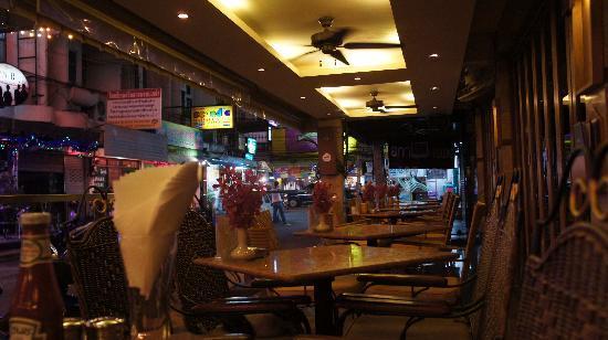 New Cafe Royal: バーテラス
