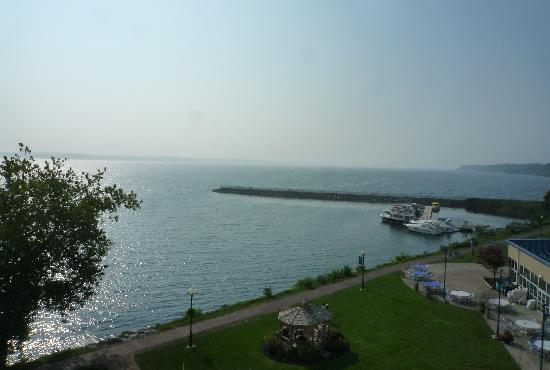 Ramada Plaza Geneva Lakefront Resort: Lakeview