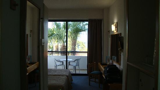 Cavo Maris Beach Hotel : The room and view of the balcony
