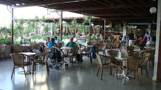 Cavo Maris Beach Hotel : Alkion Verandah