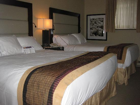 Albert at Bay Suite Hotel: Bed room