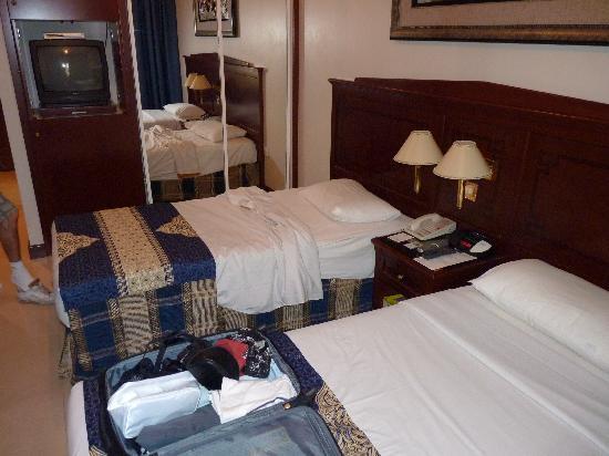 Admiral Plaza Hotel: photo chambre