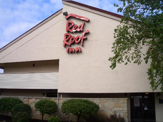 Red Roof Inn Indianapolis North - College Park: Außen
