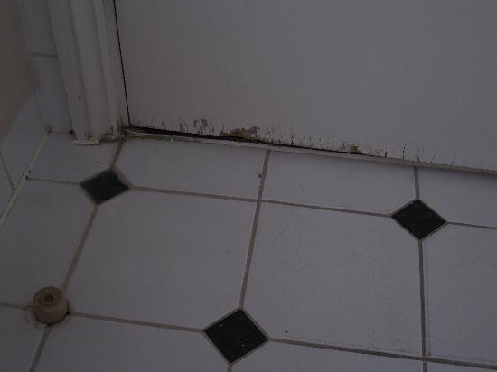 Mercure Eastgate Oxford: Executive Bathroom Door