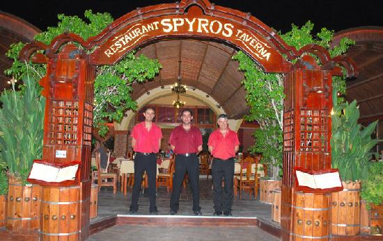 Spyros Taverna : The wonderful staff and owner
