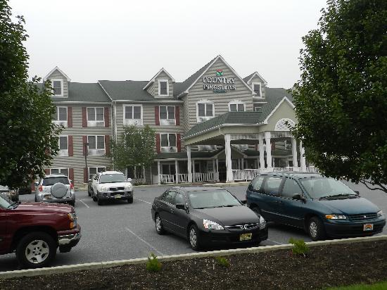 Country Inn & Suites By Carlson, Lehighton (Jim Thorpe: View from the parking lot