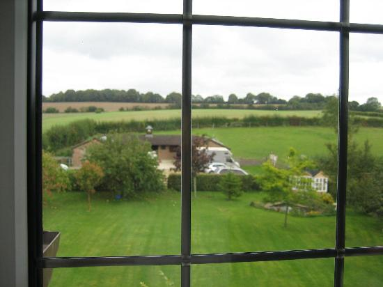 Woodgate Farmhouse B&B: Garden View