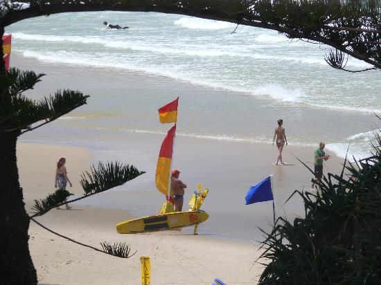 Coolum Baywatch Resort: the view of the main beach