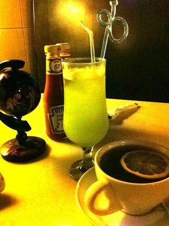Denis Jaz Cafe