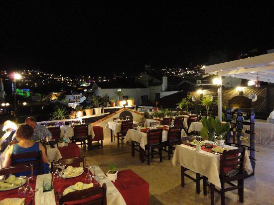 Paparazzi Restaurant: Terrace
