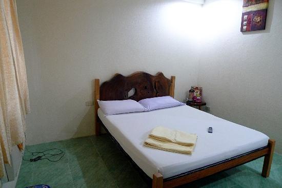 Balay Inato Pension: bed