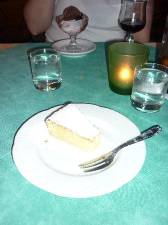 Cafe Europa: lemon cake