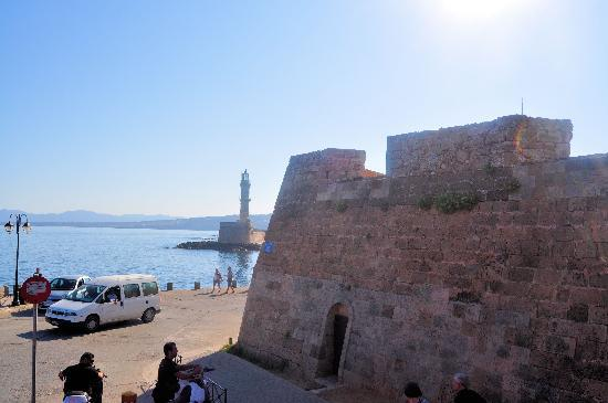 Ancient Aptera: Chania Lighthouse