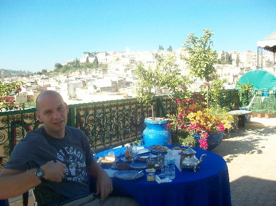 Riad Ibn Khaldoun: breakfast up top