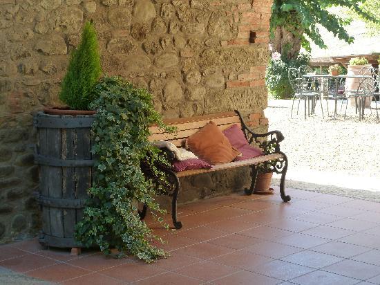 Agriturismo Le Buche di Viesca: lovely area at Le buche di viesca