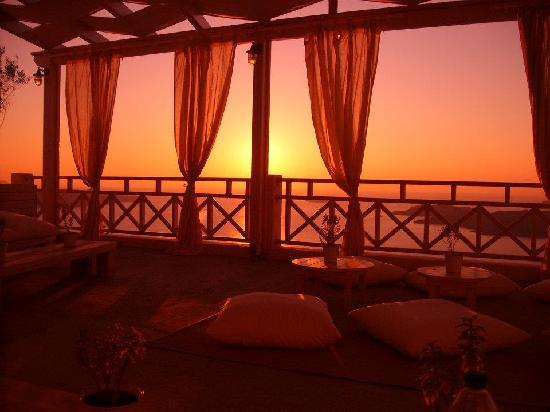 Petit Palace Suites Hotel : Sunset from the lounge