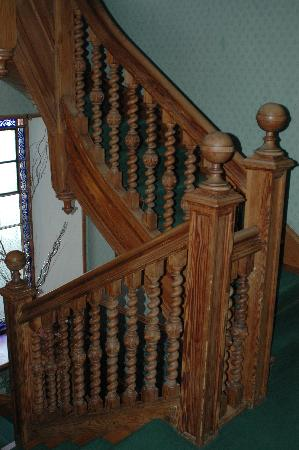 Kilchrenan House: Beautiful stairs, but a little had to handle for older folks