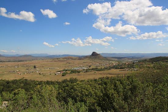 Isandlwana Lodge: Blick von der Lodge auf Isandlwana