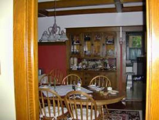 O'Leary's Bed and Breakfast : Breakfast in Dining Room