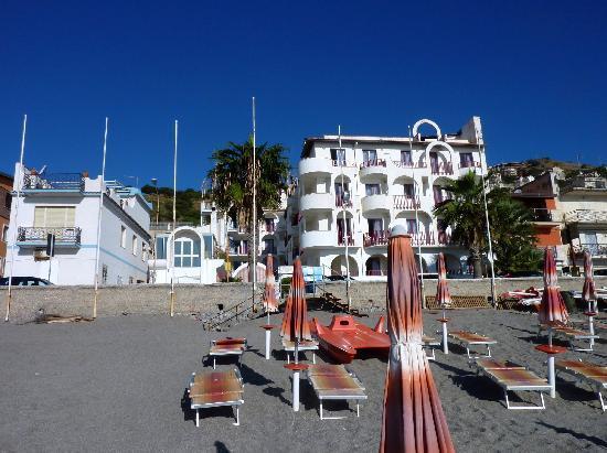 Hotel Albatros: Hotel face mer