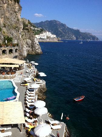 Santa Caterina Hotel : Your Chair Awaits....