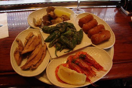 Ciudad Condal Restaurant: mixed tapas...