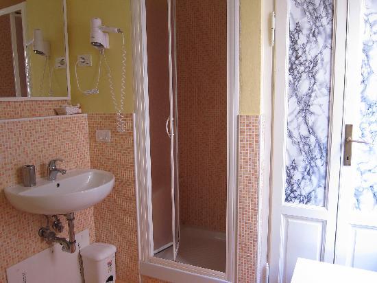 Le Stanze dei Medici: washroom