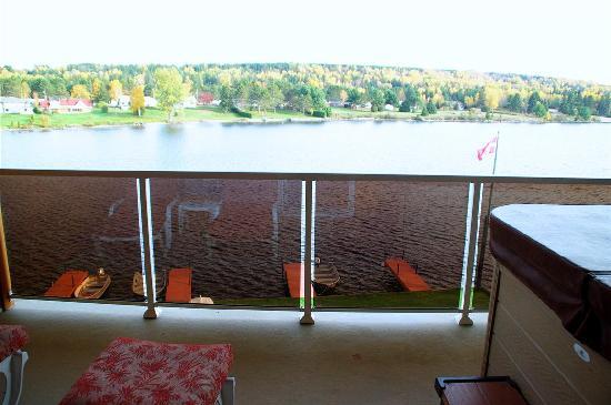 Couples Resort: Master Jr. balcony