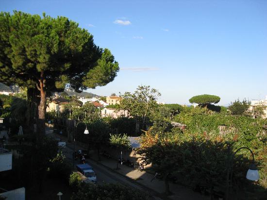 Alpha Hotel: Villa - Balcony view