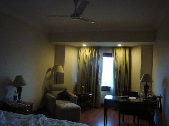 Jaypee Vasant Continental: simple yet clean