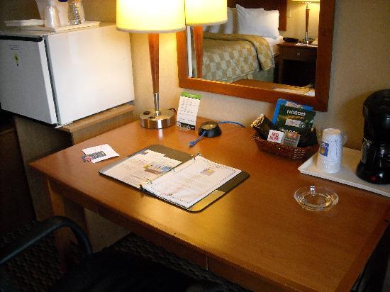 Comfort Inn: Room 3