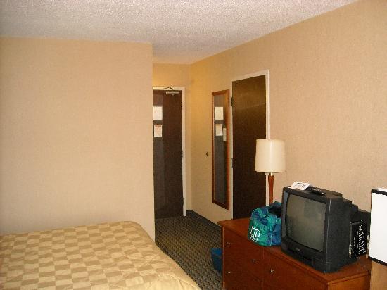 Comfort Inn: Room 6