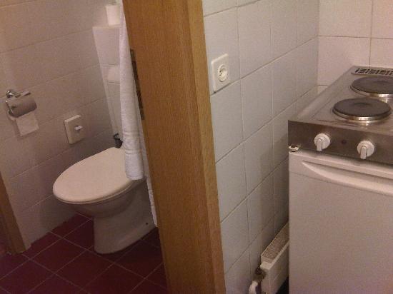 Hotel Residence CityZen: cucina/wc