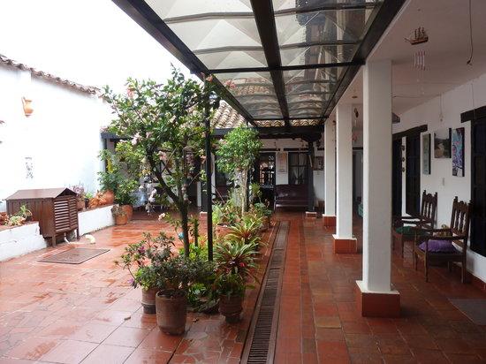 Hospederia Don Paulino: Court yard