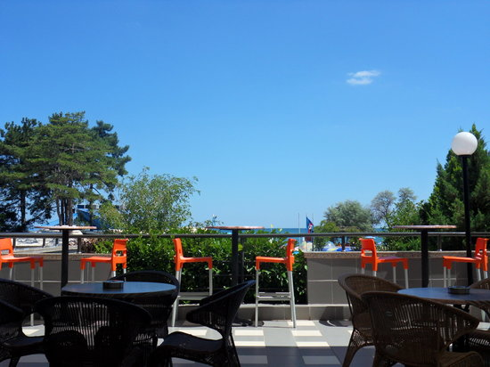 Lilia Hotel: the hotel terrace