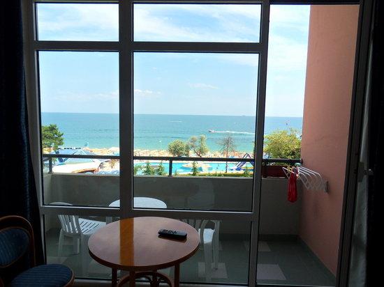 Lilia Hotel: a room terrace