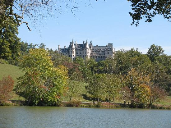 The Inn on Biltmore Estate: View of Inn from pond on grounds