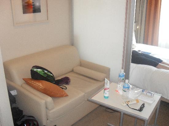 Citadines Karasuma-Gojo Kyoto: Sitting area in room