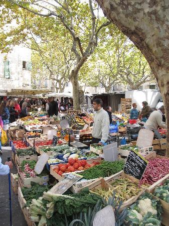 Mas d'Augustine: Uzes Market