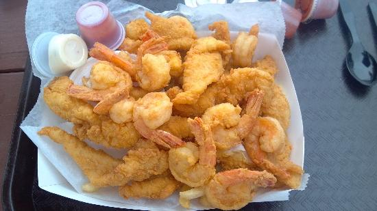 The Fish House: Large Shrimp and Fish basket