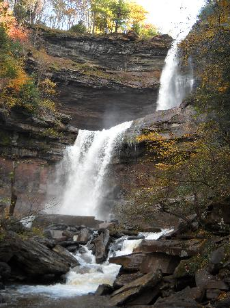 Captains Inn Point Lookout: Don't miss Kaaterskill Falls.