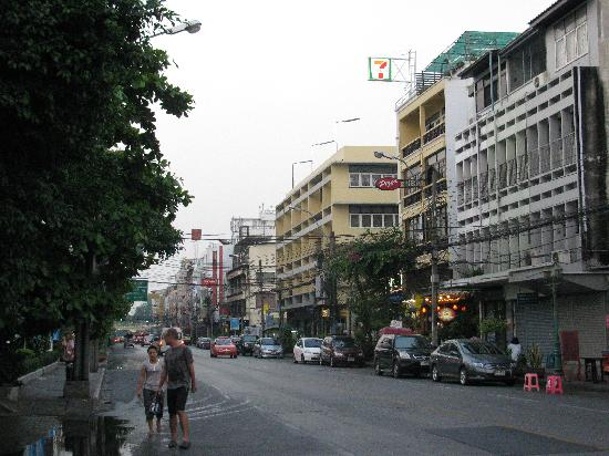 Bhiman Inn: street where the hotel is situated. hotel is on the left (you dont see it)