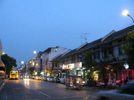 Mad Monkey Bangkok: street where the hotel is